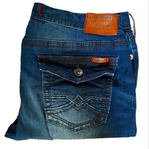 """Seven Jeans Co. 